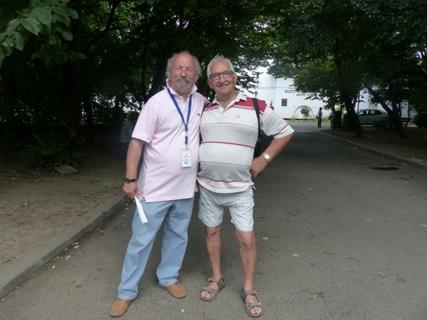 Dan le guide et Henri