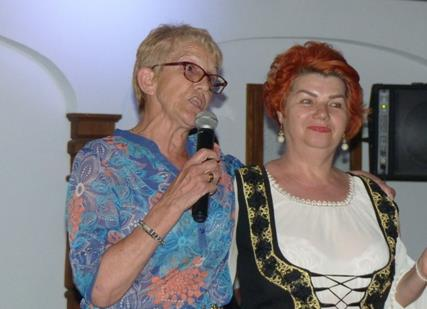 Jacqueline avec la chanteuse roumaine