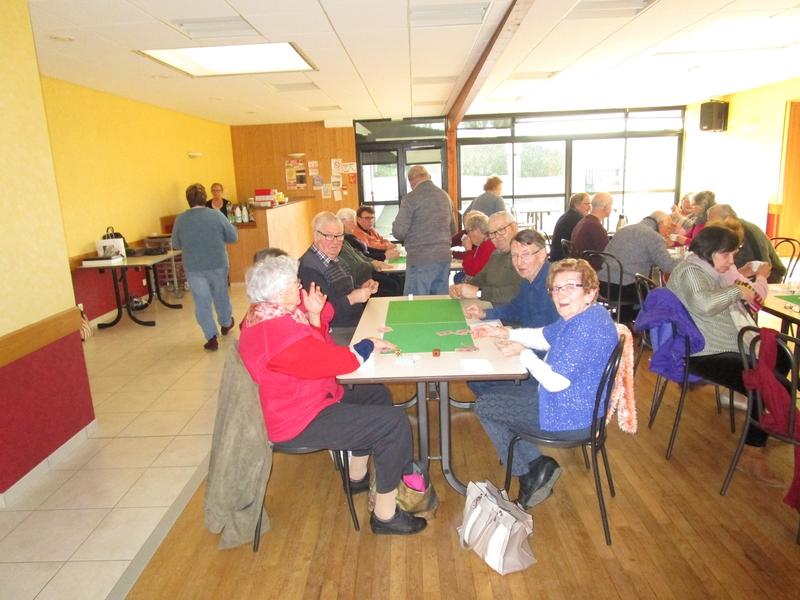 Jeux de cartes au Club  03